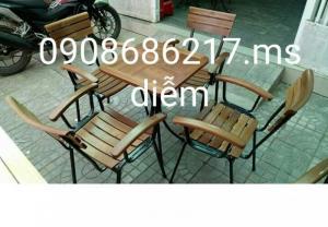 Bàn ghế gỗ cafe sân vườn giá rẻ nhất
