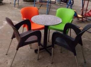 Chuyên sản xuất bàn ghế nhựa đúc nhiều màu giá rẻ nhất..