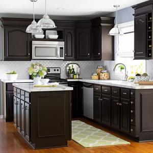 Tủ bếp gỗ Sồi sơn men kết hợp bàn đảo
