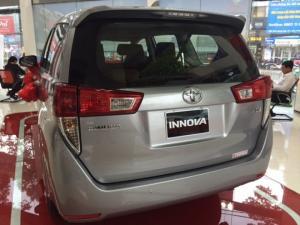 Bán Toyota Innova 2.0E số sàn Khuyến Mãi Đặc Biệt