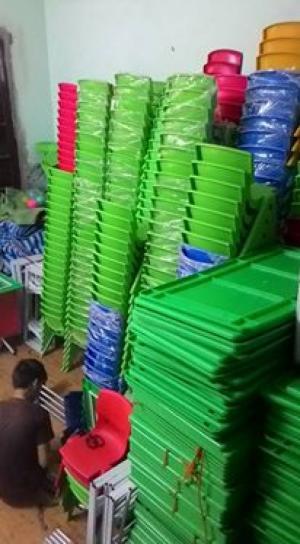Ghế nhựa nhập khẩu, giá siêu rẻ dành cho các bé