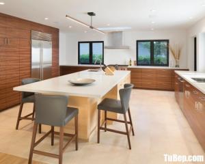 Tủ bếp gỗ Laminate thiết kế phù hợp với không gian rộng – TBT48