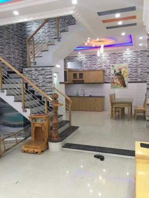 Bán nhà Nhà Bè đường Huỳnh Tấn Phát DT 5m x 12m, 2 lầu, 4PN, sổ hồng riêng, Tây Bắc, Giá 2.78 tỷ