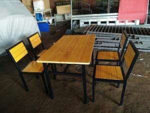 Bộ bàn ghế gỗ nhà hàng giá siêu rẻ..