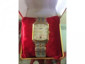Đồng hồ LONGINES mặt vuông màu đờ mi kính saphia chống xước