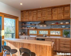 Tủ bếp gỗ Sồi màu vân gỗ chữ I bán cổ điển – TBT49