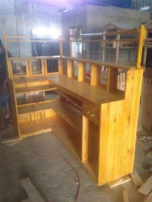 quầy cafe với chất liệu gỗ cao su giá rẻ