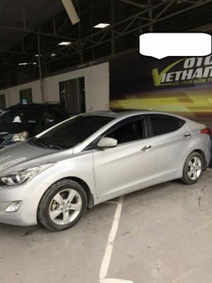 Hyundai elantra 1.8AT màu bạc -xe đẹp giá mềm