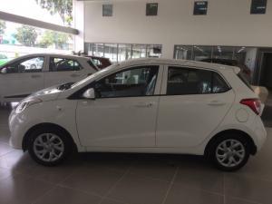 Hyundai i10 1.0mt Base đủ màu giao ngay, 90tr lấy xe ngay, lãi suất ưu đãi nhất.