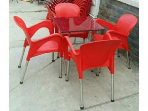 Bàn ghế nhựa đúc chân inox