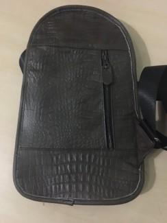 Túi đeo nhỏ, tiện dụng