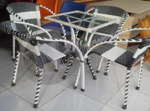 Sản xuất bàn ghế mây giá gốc