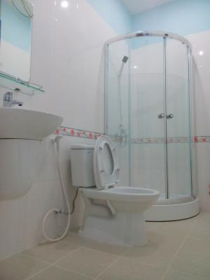 Cho thuê phòng Q1, full nội thất,free nước, net, cap, ban công siêu thoáng, chính chủ