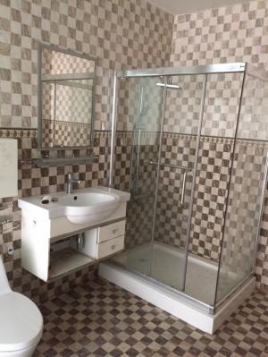 Cho thuê phòng máy lạnh, toilet trong phòng, giờ tự do, không chung chủ, hẻm xe hơi