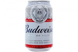 Bia Budweiser giá 380.000đ.