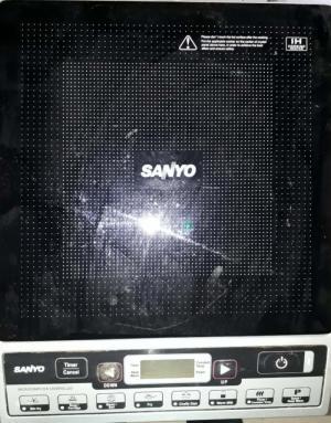 Cần thanh lý Bếp từ Sanyo,  Lò vi sóng Electrolux,  Quạt nước Fuji.  Tình trạng: vẫn đang sử dụng.  Giá: Thỏa thuận