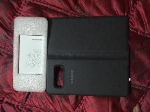 Tôi cần bán 2 bao da điện thoại Clear View Note 8 vàng, LED View Note 8 đen