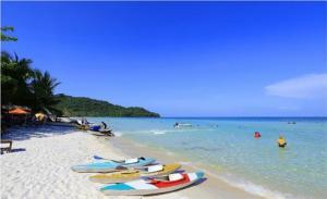 bãi biển thơ mộng tạo Phú Quốc