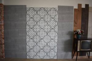 Gạch lát ốp lát giá rẻ tại HCM dành cho nhà thầu và cửa hàng
