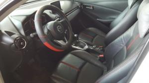 Bán Mazda 2 sedan sản xuất 2015 màu trắng số tự động đi 22000km