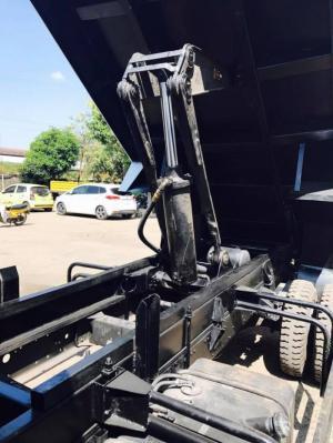 Xe ben tải tự đổ Hyundai HD99 thể tích thùng 5.3 khối đời 2017
