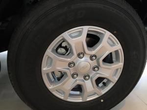 Ford Ranger 2017, giao xe ngay, vay trả góp 90%, tặng thùng, lót thùng, phim