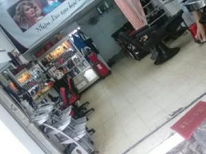 Sang tiệm tóc