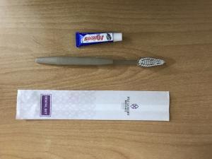 Brandde chuyên sản xuất và cung cấp bàn chải dùng một lần cho hotel, resort, spa