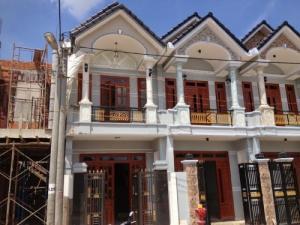Nhà mới xây1trệt 1lầu 3PN 72m2 đô thị mới Hóc Môn.