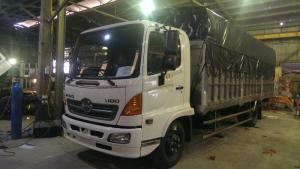 Xe tải Hino 6,4 tấn mui bạt thùng Inox