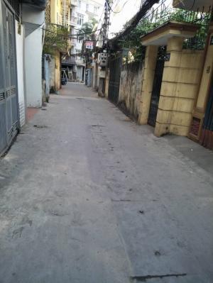 Bán nhà ô tô đỗ cửa tầng 1 tập thể phố Yên Lạc, Vĩnh Tuy, Hai Bà Trưng, DT 50m2 giá 1,4 tỷ