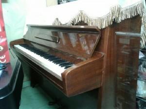 Piano cơ Eterna U1 Nhật mới 90%