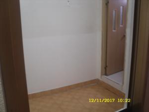 phòng bê tông thoáng mát