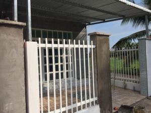 Nhà mới xây xong gần chợ Tú Điền trường Chuyên Bến Tre