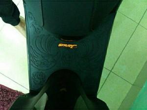 Thảm để chân cao su cho xe ga