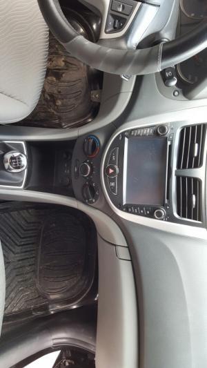 Bán Hyundai Accent 1.4MT số sàn màu đen Vip nhập Hàn Quốc 2013 biển Sài Gòn đi 33000km