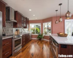 Tủ bếp gỗ Căm Xe chữ I màu vân gỗ tiện dụng – TBT57