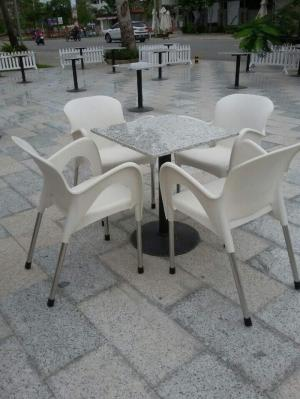 Bàn ghế nhựa cafe cần thanh lý gấp