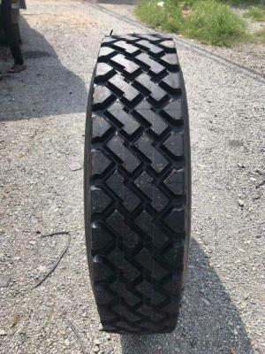 Lốp dán 12r22.5 dùng cho xe tải và xe container