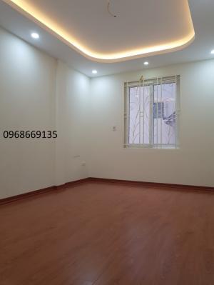 Nhà 2 mặt đường đường Thanh Bình - Mỗ Lao, 4 tầng (35m2) đường 3.5m, Taxi đậu cửa