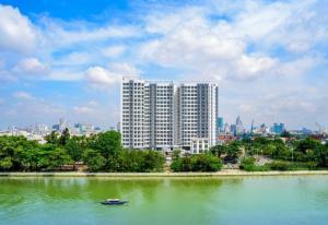 Bán căn hộ ở liền mặt tiền Nguyễn Tất Thành ven sông SG