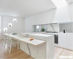 Tủ bếp gỗ Acrylic chữ I màu trắng tinh tế – TBT63