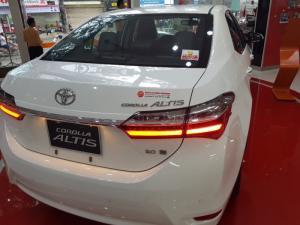 Toyota Altis 2.0V trả góp - giảm giá đặc biệt 2018