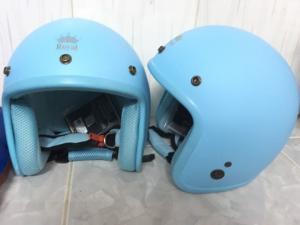 Cần bán cặp nón bảo hiểm ROYAL