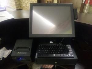 Sản phẩm máy tính tiền ưu việt bộ máy tính Dell và phầm mềm chuyên quản lý, tính tiền dành cho quán trà sữa
