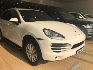 Bán Porsche Cayenne 3.6 màu trắng sản xuất 2011 xe mới chạy 3.7 vạn.đẹp không lỗi lầm