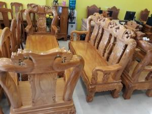 Bộ bàn ghế chạm đẹp vai cong cột 12 - BBG261