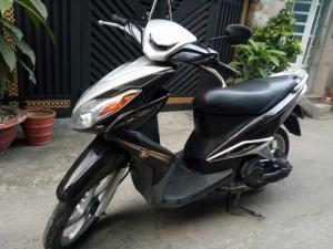 Yamaha Luvias màu nâu 2k12 mới 95% nguyên zin xe đẹp máy êm chạy mạnh vọt lợi xăng lên ga
