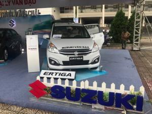 Suzuki Ertiga 7 chỗ nhập khẩu khuyến mại lớn trong tháng 12