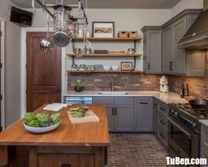 Tủ bếp chữ L chất liệu Xoan đào sơn men kết hợp bàn ăn đơn giản – TBN0063